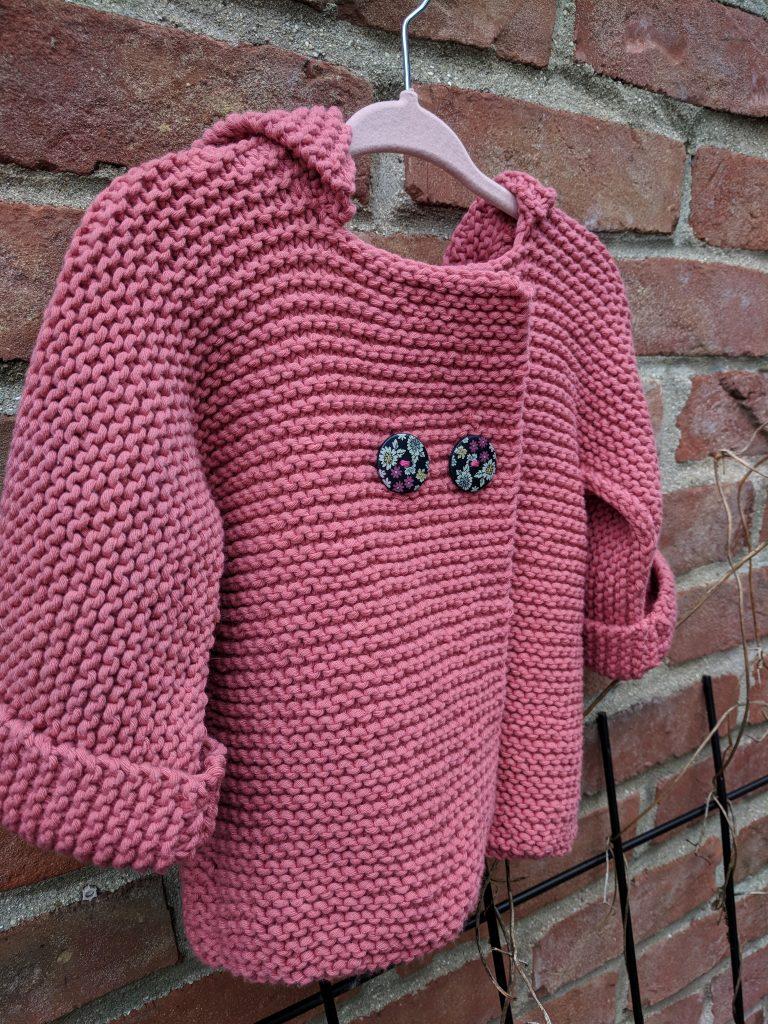 Paletot à capuche bébé facile à tricoter point mousse Cocon Ambulant